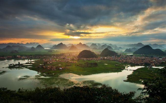 <b>昆明、抚仙湖、普者黑、坝美摄影旅游包车线路5天游</b>