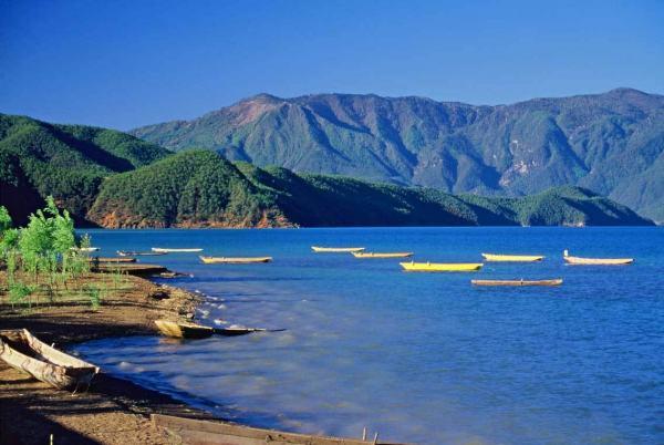 <b>昆明、大理丽江、香格里拉、泸沽湖、西双版纳汽车品质团(11晚12天游)</b>